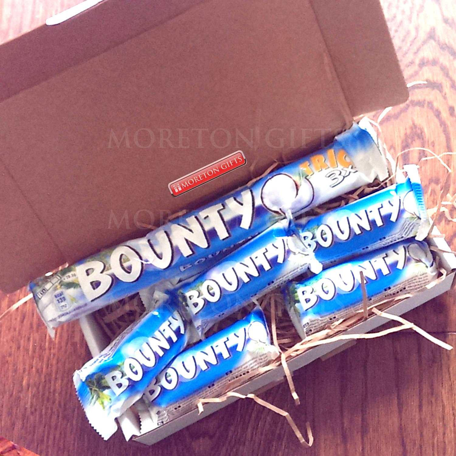 Bounty Lovers Treat Box - Lovely Coconut Coated with Yummy Chocolate - By Moreton Gifts: Amazon.co.uk: Grocery