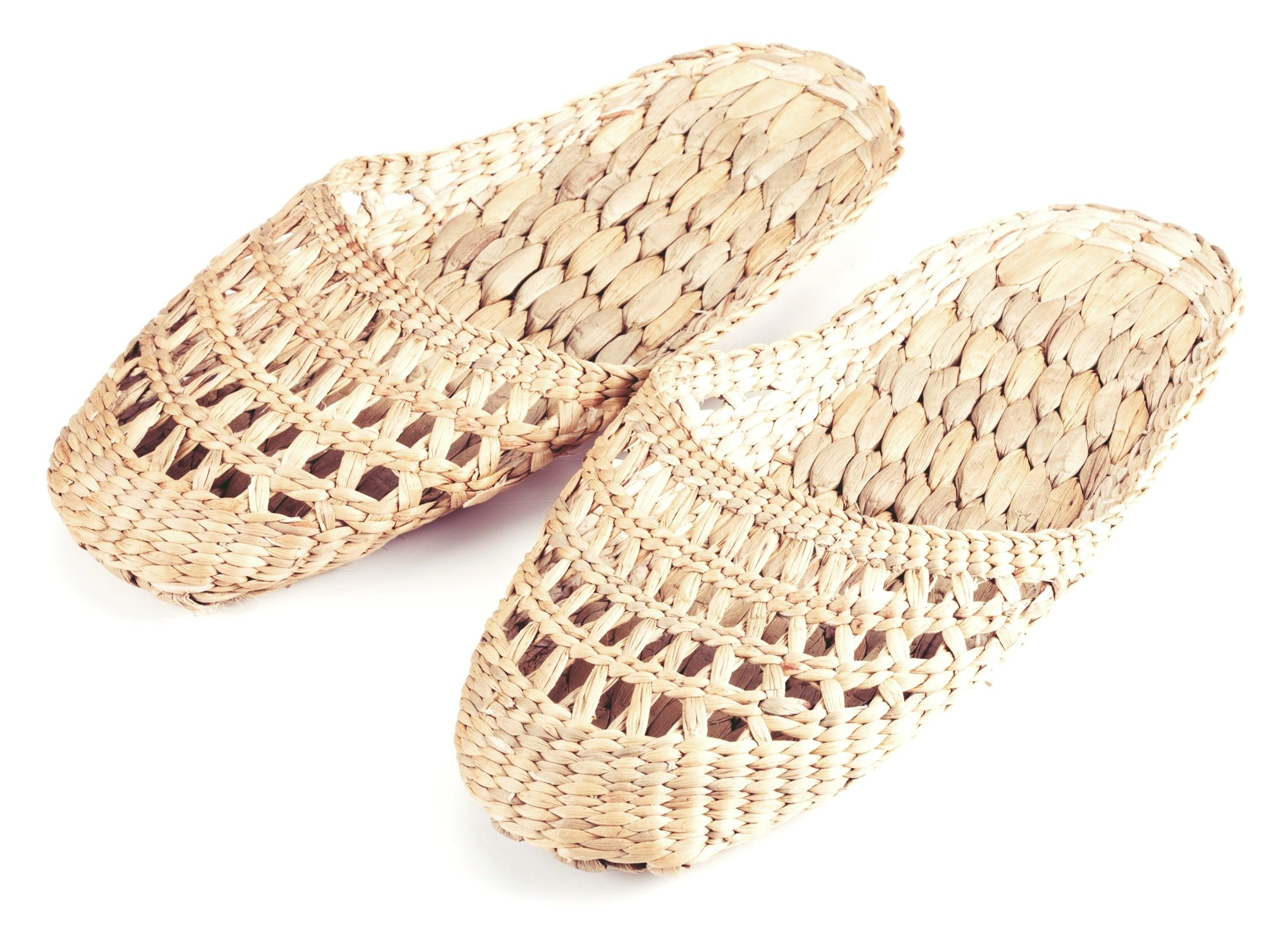 Gaia Guy 100% Natural Handmade Sandals/Slippers for Men and Ladies - Hand Woven Water Hyacinth - Crochet Style Small (L9.5'' x 3.5'' Approx.)