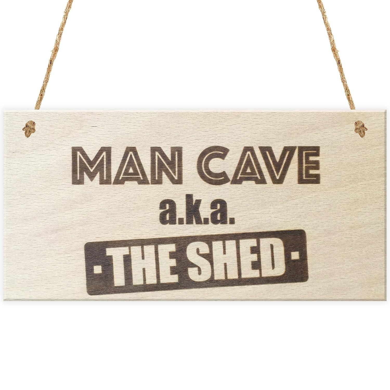 Rojo Océano Man Cave Aka el cobertizo - Placa para colgar Madera Funny Sign regalo: Amazon.es: Hogar
