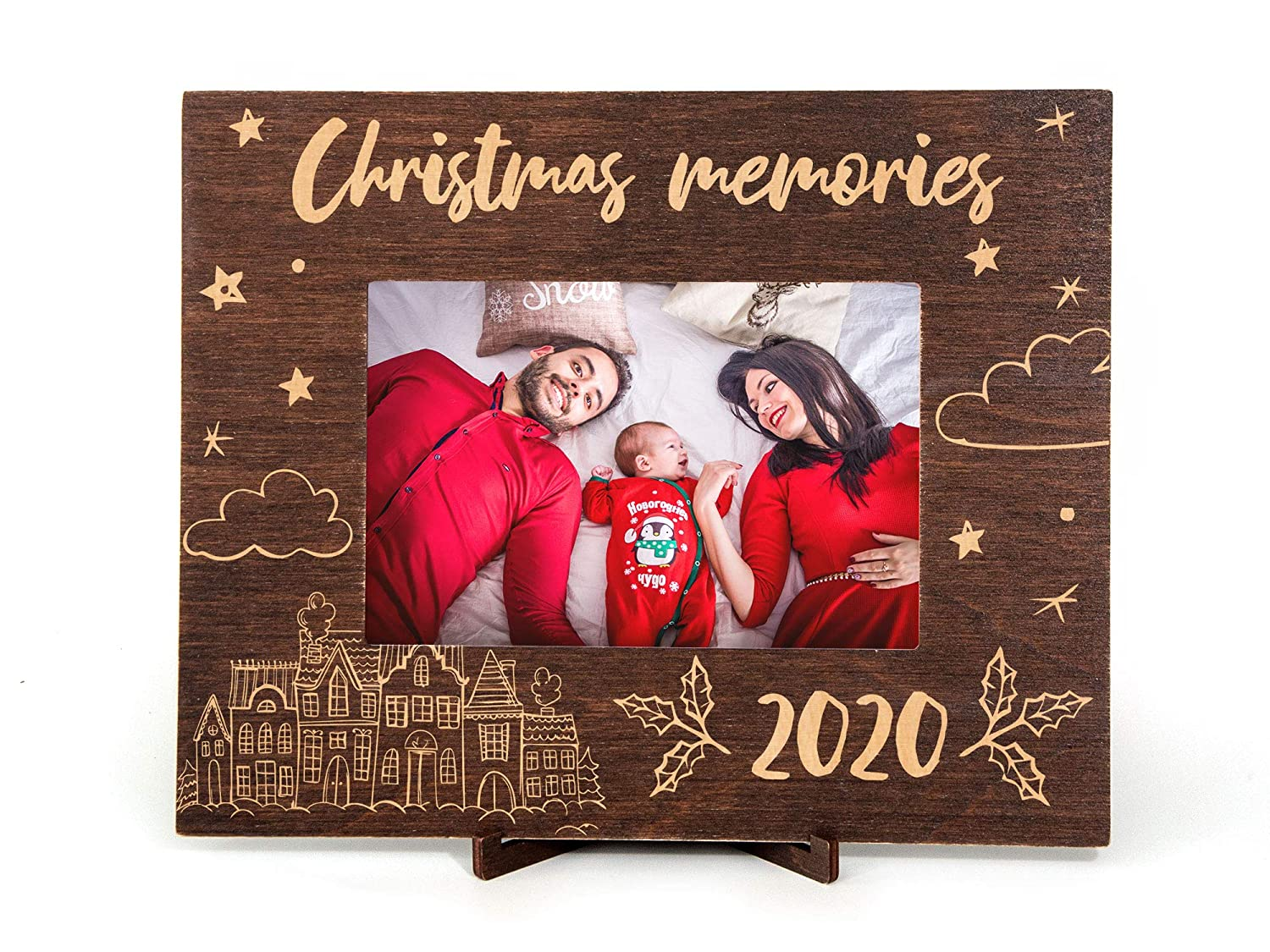 Amazon Com Christmas Picture Frames Christmas Family Gift 2020 Wood Picture Frame Custom Photo Frame Holiday Gifts For Parents Christmas Memories Wall Frame New Home Gift Custom Christmas Frame 4x6 Inches Handmade