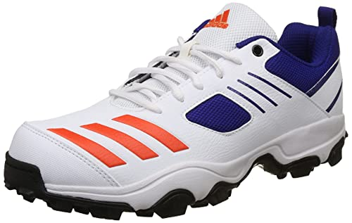 0241415e9a5d Adidas Men s CRI Hase Cricket Shoes  Buy Online at Low Prices in ...