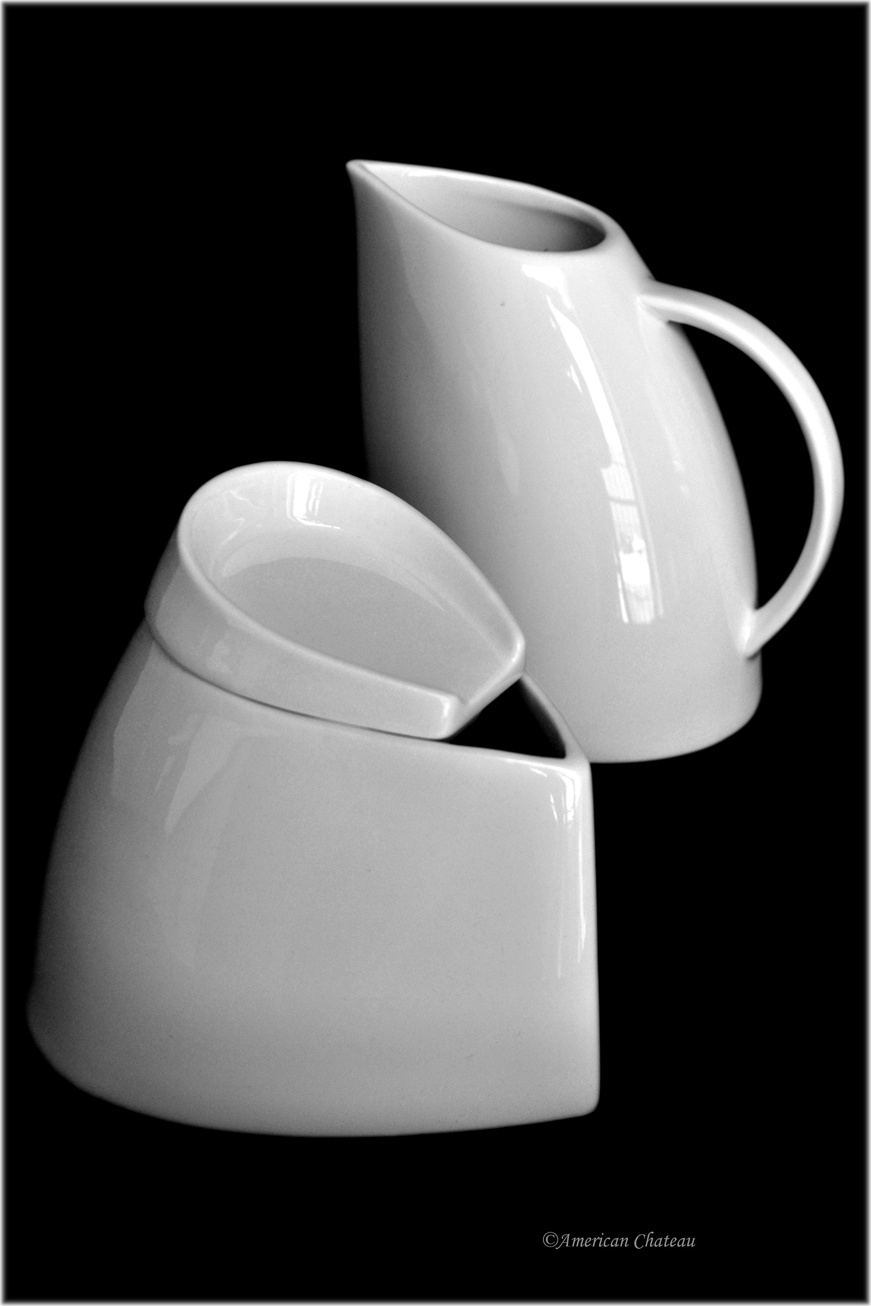 Modern Funky 3 Piece Coffee Porcelain White Covered Sugar Bowl and Creamer Set