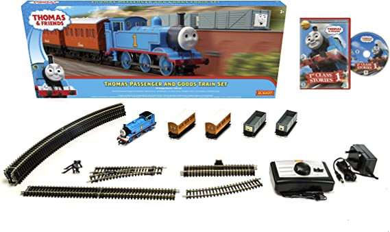 HORNBY THOMAS THE TANK ENGINE ANNIE AND CLARABEL BATTERY POWERED /& PULL ALONG