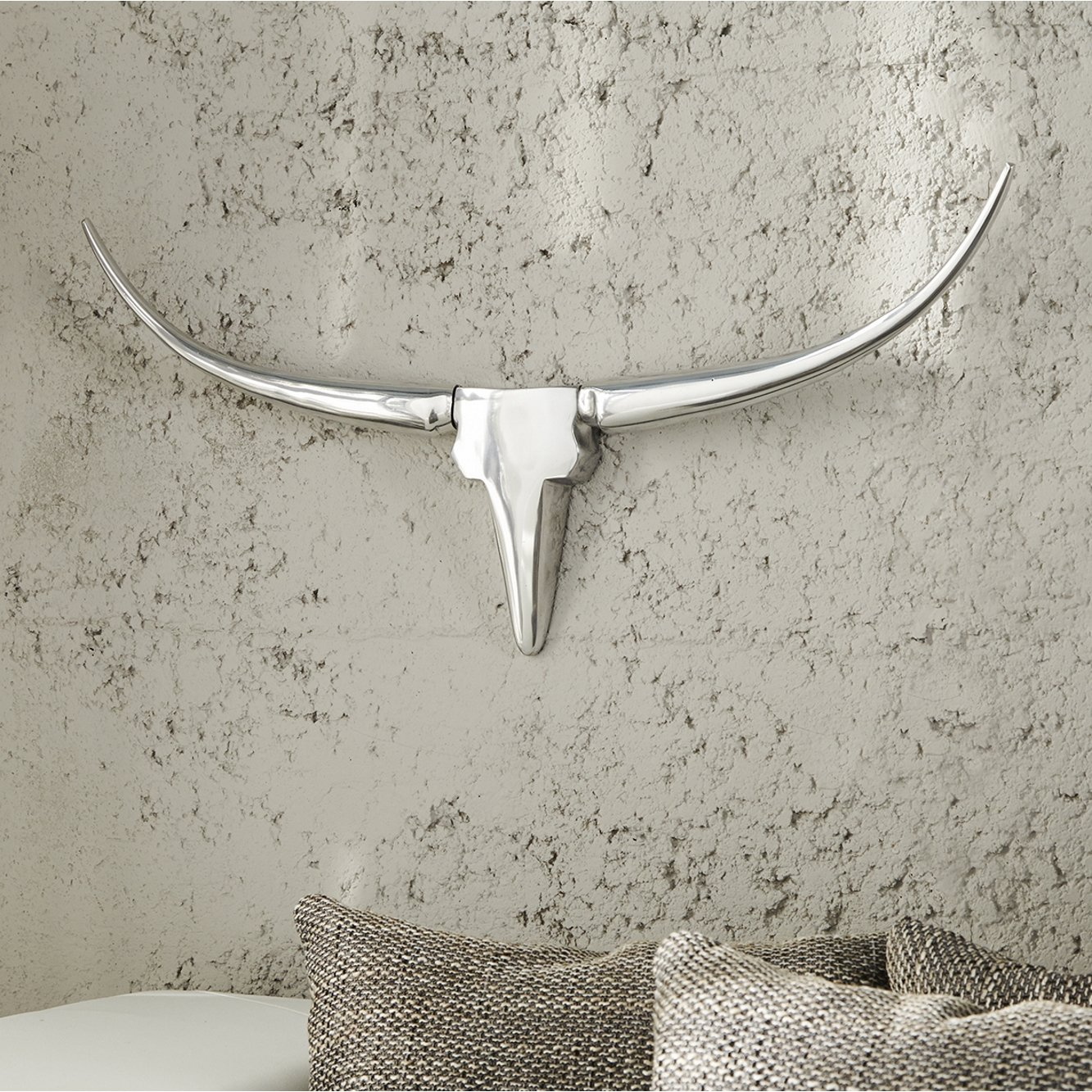 Wanddeko MINOTAURI 75cm Aluminium spiegelpoliert - Schädel Skulptur Figur Stier Statur - Designer Deko Accessoires von ambientica -
