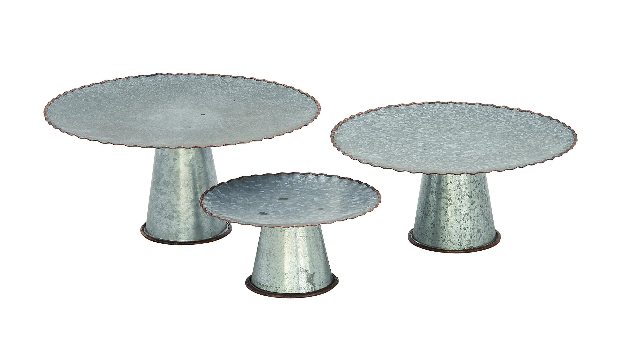 Deco 79 49192 Metal Galva Cake Stands (Set of 3), 9''/13''/15''
