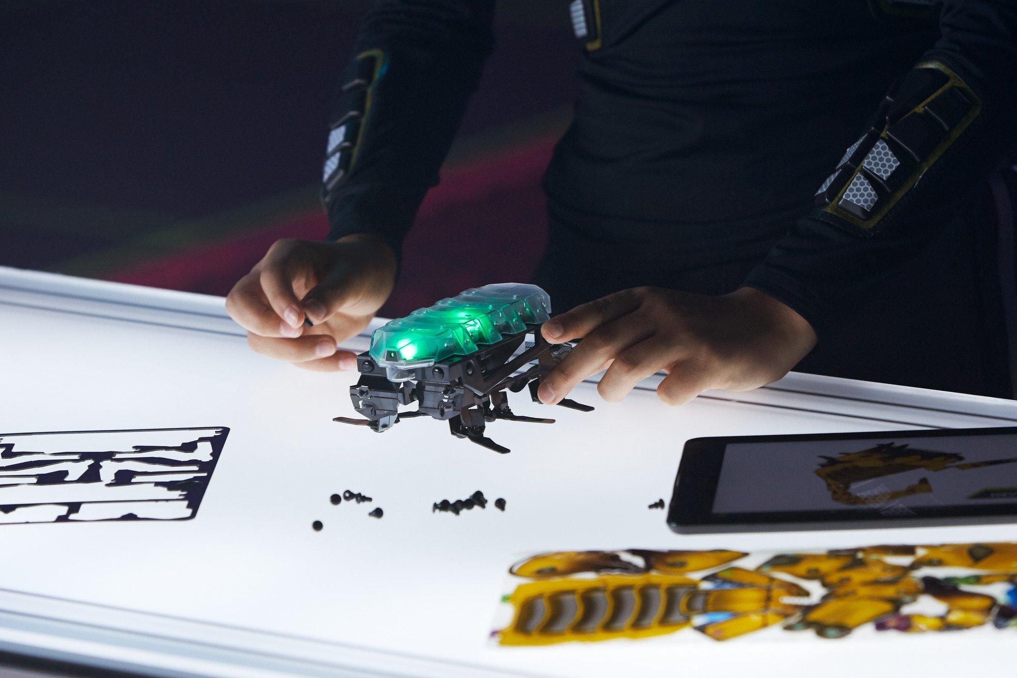 Kamigami Atlasar Robot by Mattel (Image #5)