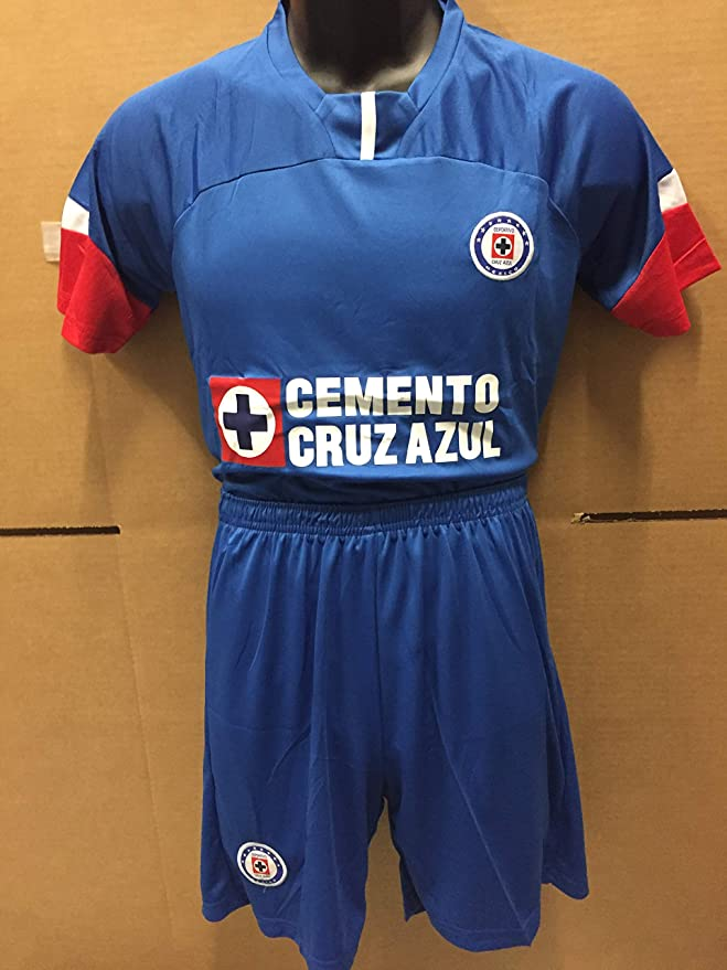 5a631722123 Amazon.com   New! Club deportivo cruz azul kids Jersey and Short Set    Sports   Outdoors