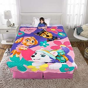 "Franco Kids Bedding Super Soft Plush Blanket, Twin/Full Size 62"" x 90"", Paw Patrol Pink/Purple"
