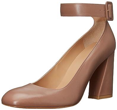 7dc5eec7a9dc Amazon.com  Stuart Weitzman Women s Clarisa Pump  Shoes