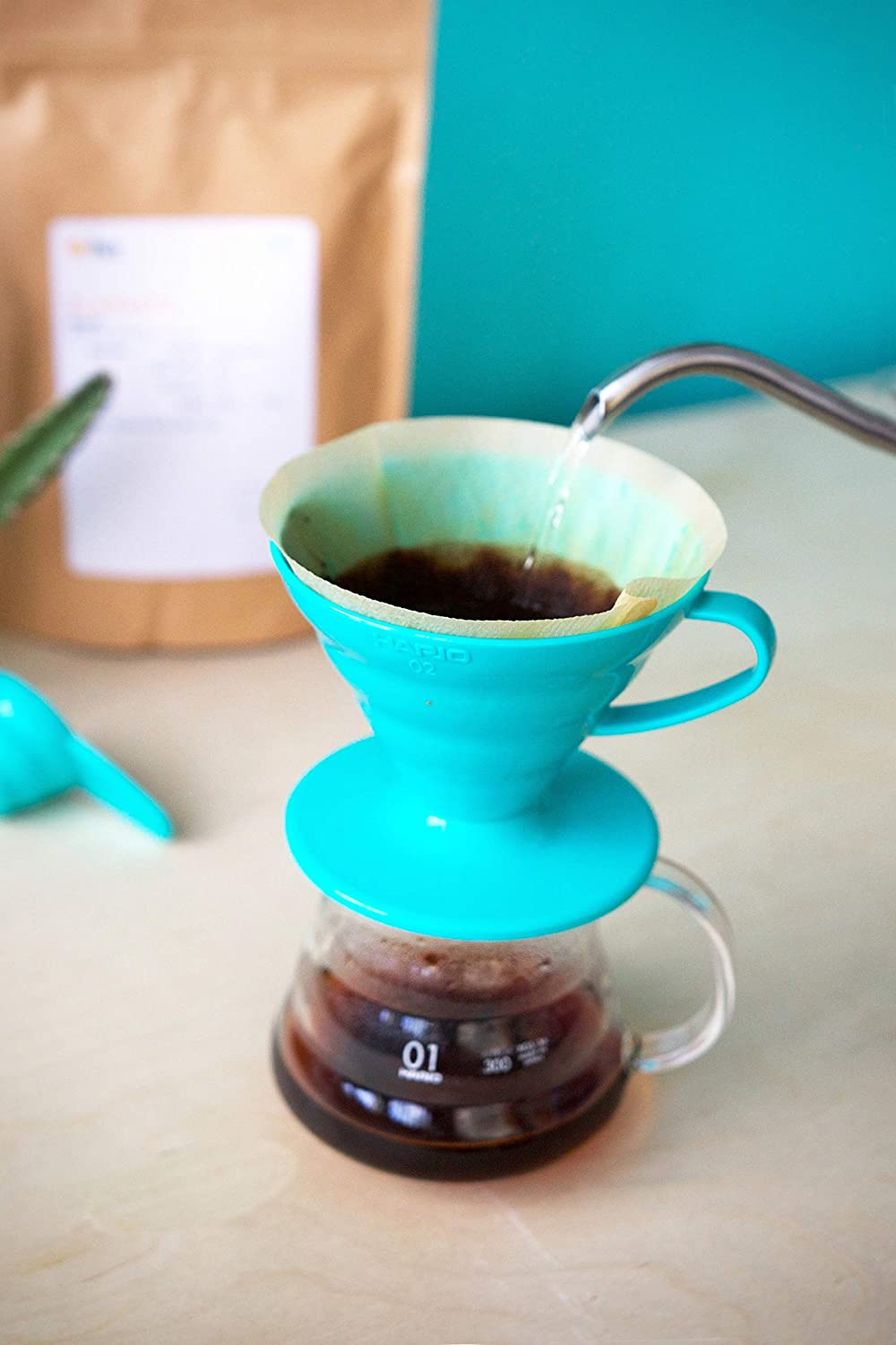 Hario V60 Teal Coffee Dripper Kit Plastic Size 02 40 Paper Filter Vcf 100mk Unbleached Papers Measuring Scoop Kitchen Home