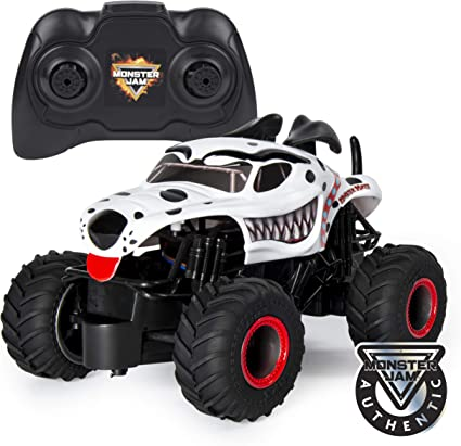 Amazon Com Monster Jam Official Monster Mutt Dalmatian Remote Control Monster Truck 1 24 Scale 2 4 Ghz For Ages 4 Up Toys Games