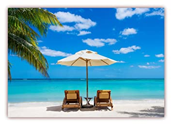 Liegestuhl mit sonnenschirm strand  XXL Poster 100 x 70cm (S-817) Palmenstrand mit blauem Wasser und ...