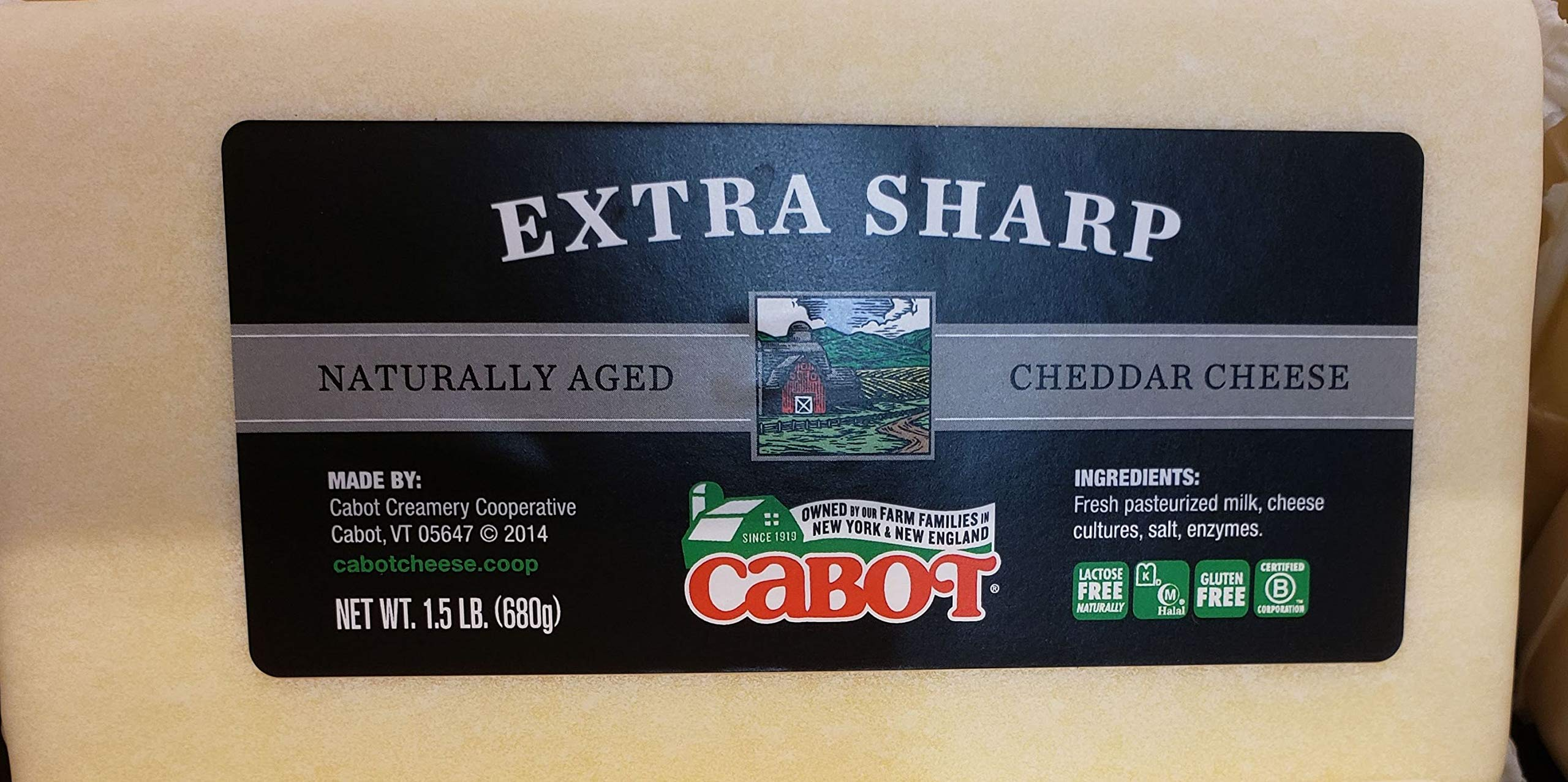 Cabot Extra Sharp naturally aged cheddar cheese 1.5lb (pack of 2)