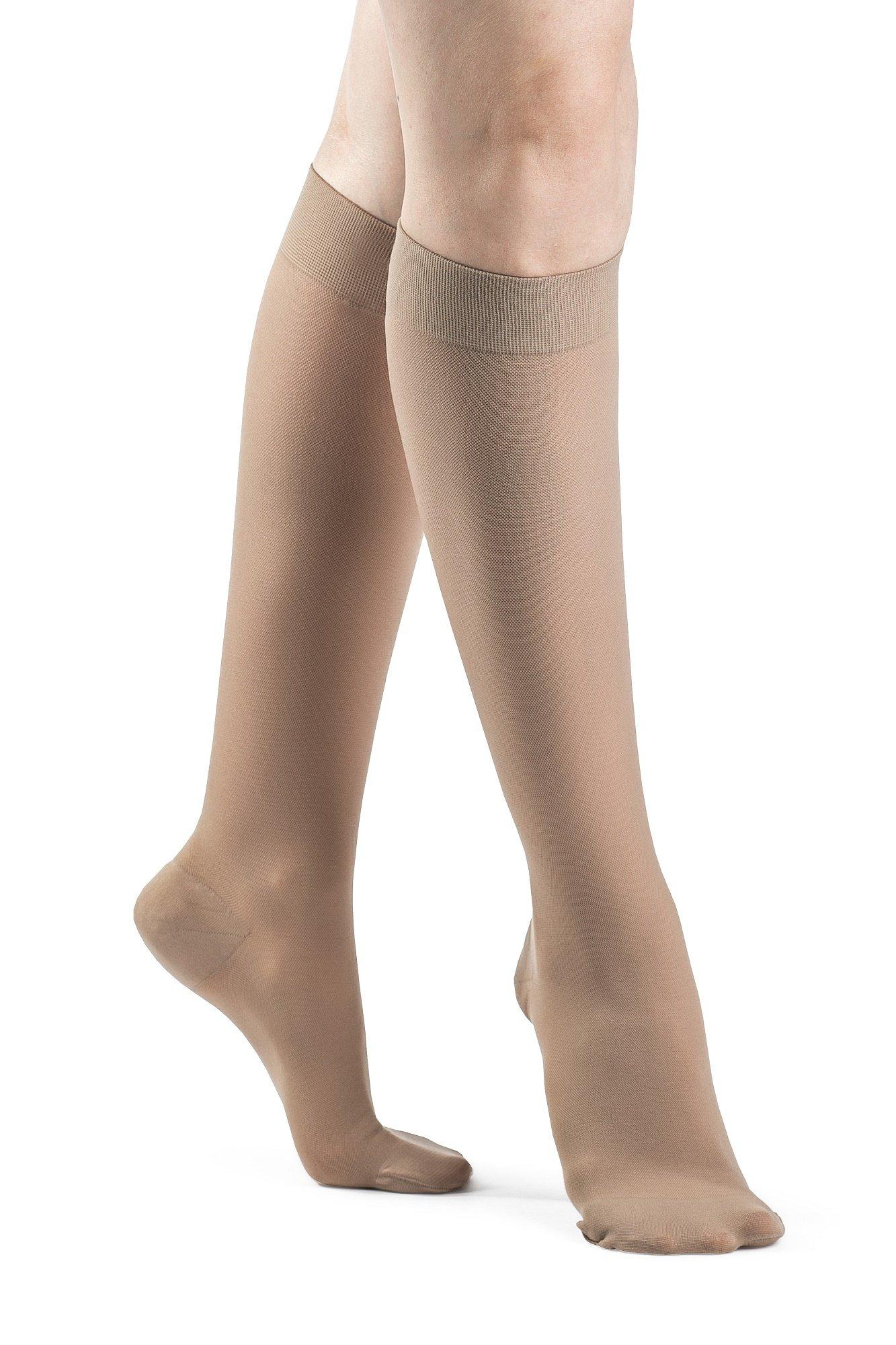 970 Access Series 20-30 mmHg Women's Closed Toe Knee High Sock Size: Medium Short (MS)