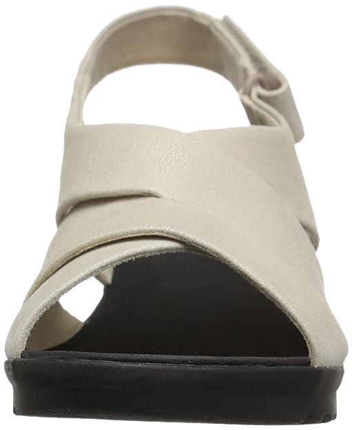 bca8499275f Amazon.com  CLARKS Women s Caddell Petal Sandal  Shoes