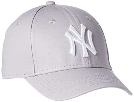 d26a2d6392ca Amazon.com  New Era New York Yankees Strapback Cap 9forty Kappe ...