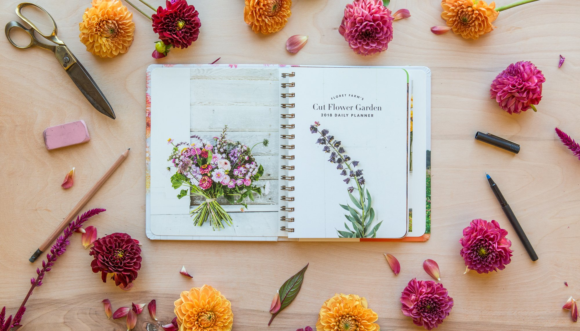 amazon floret farm s cut flower garden 2018 daily planner daily