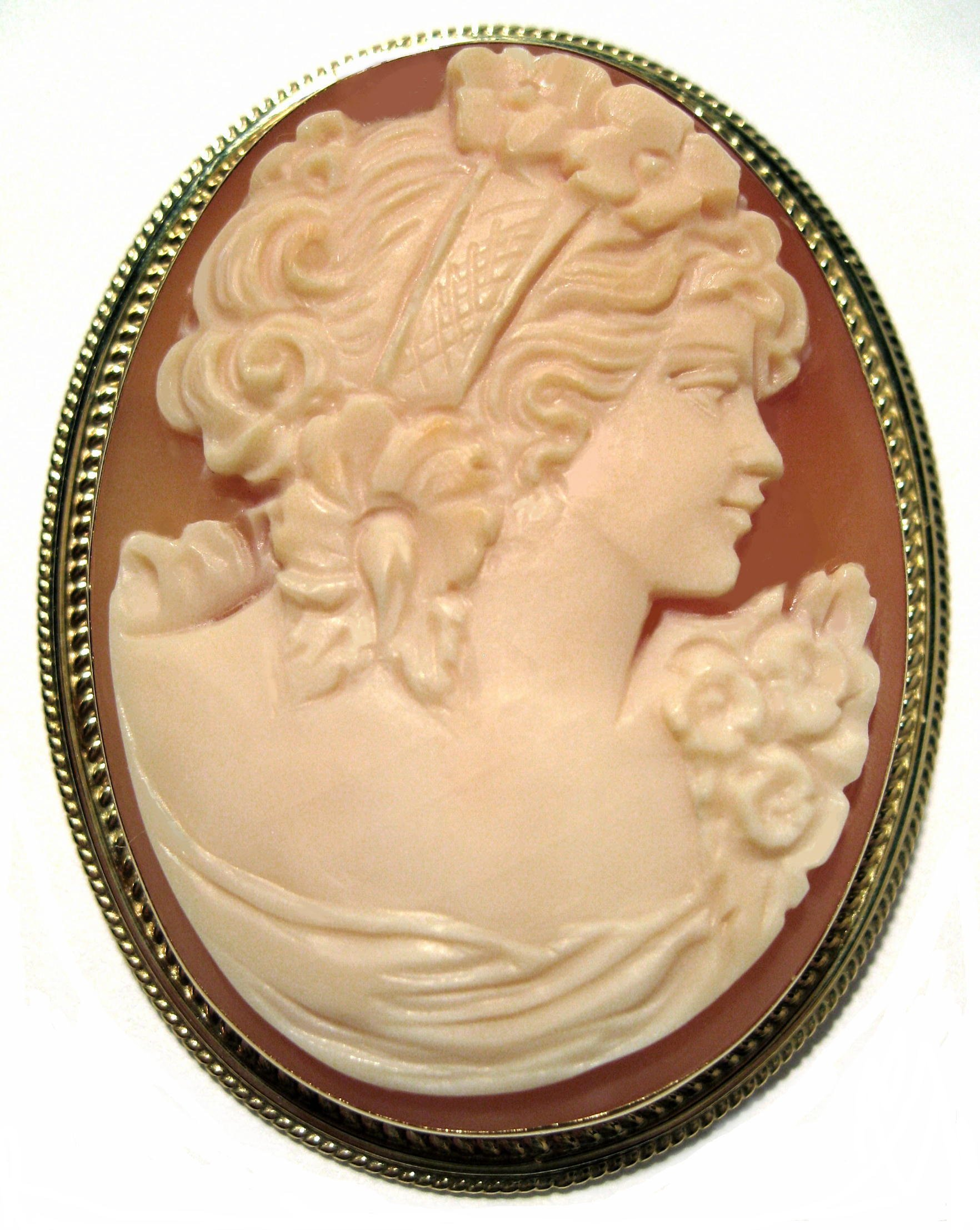 Cameo Pin Pendant Master Carved Summer Dream Carnelian Shell Solid 18k Yellow Gold Frame Italian