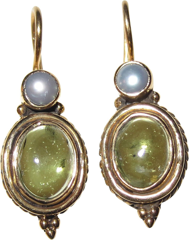 Antiguo anmutenden dorados pendientes con un vibrantes y peridoto y una pequeña perla de agua dulce