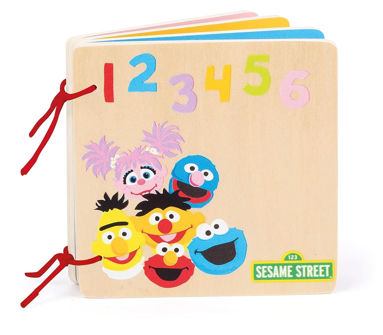 certifi/é 100/% FSC pour b/éb/és et Enfants /à partir de 12 Mois 10968 Livre /à Images invitant /à l/´Apprentissage des Chiffres et des Couleurs Multicolore Small Foot- Sesame Street Bois Jouets