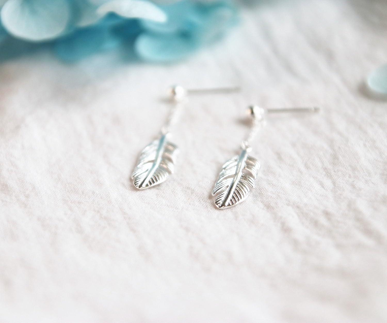 Helen de Lete Simple Feather Leaf 925 Sterling Silver Stud Earrings