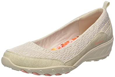 fc1f5f66e063 Skechers Women s Relaxed Fit Savvy Winsome Wedge