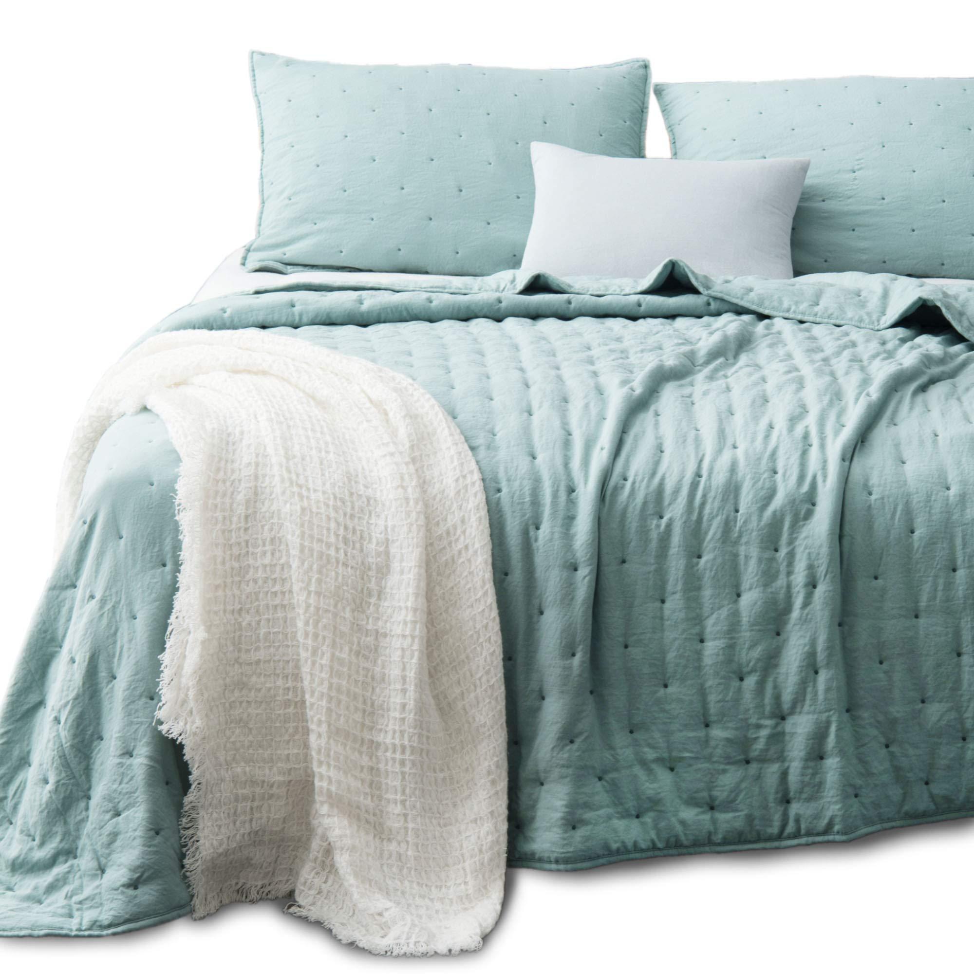 Kasentex Quilt-Coverlet-Bedspread-Blanket-Set + Two Shams, Ultra Soft, Machine Washable, Lightweight, All Season, Nostalgic Design - Hypoallergenic - Solid Color - King Size Set