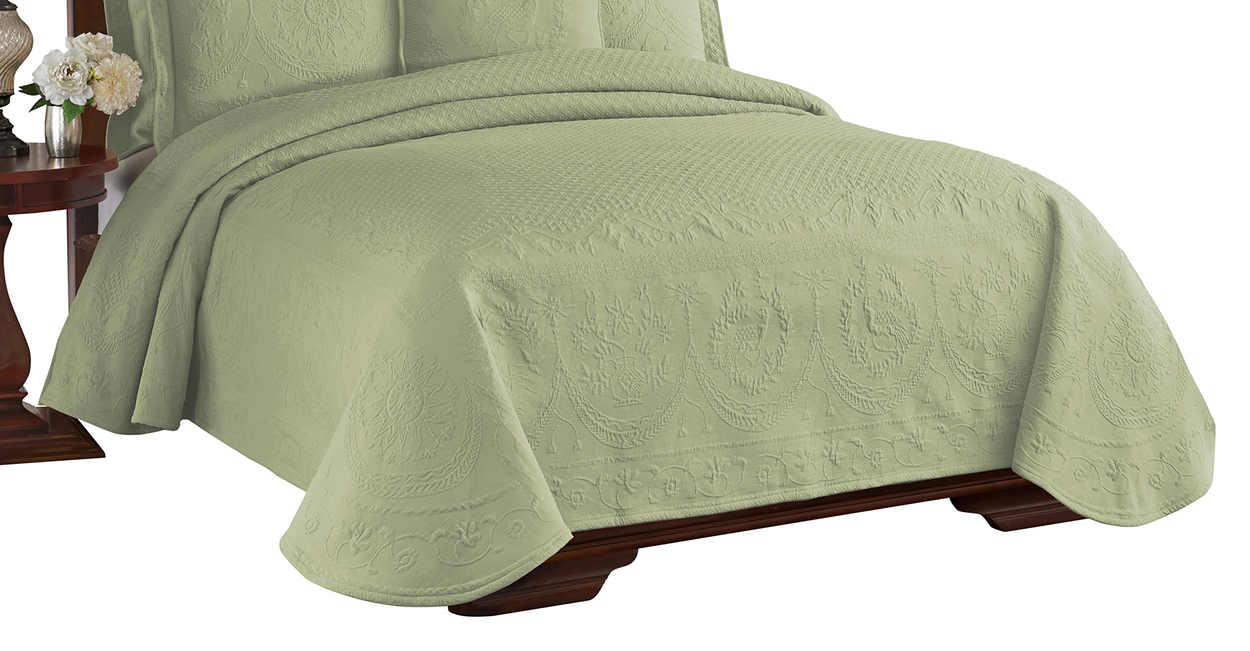 Historic Charleston 13991BEDDQUESAG King Charles Matelasse 96-Inch by 90-Inch Queen Coverlet, Sage