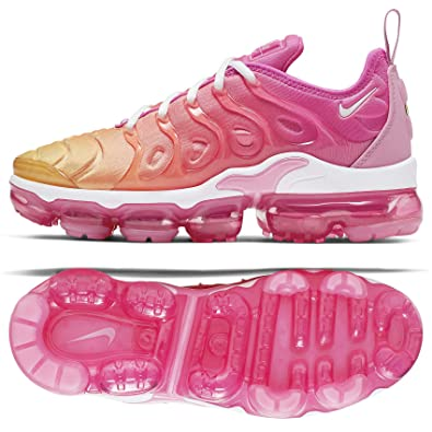 super popular 9c687 27a55 Amazon.com | Nike Women's Air Vapormax Plus | Road Running