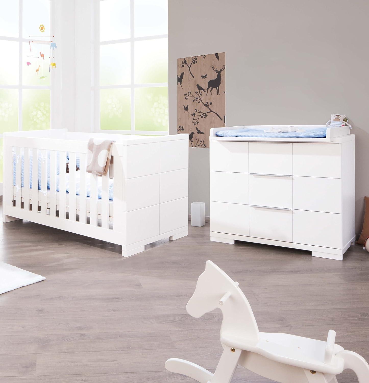 Pinolino Sparset Polar breit, 2-teilig, Kinderbett (140 x 70 cm) und breite Wickelkommode mit Wickelaufsatz, weiß Edelmatt (Art.-Nr. 09 34 21 B)