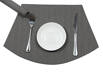 PAUWER Wedge Placemats For Round Tables Heat Insulation Stain Resistant  Washable Vinyl Round Table Placemats
