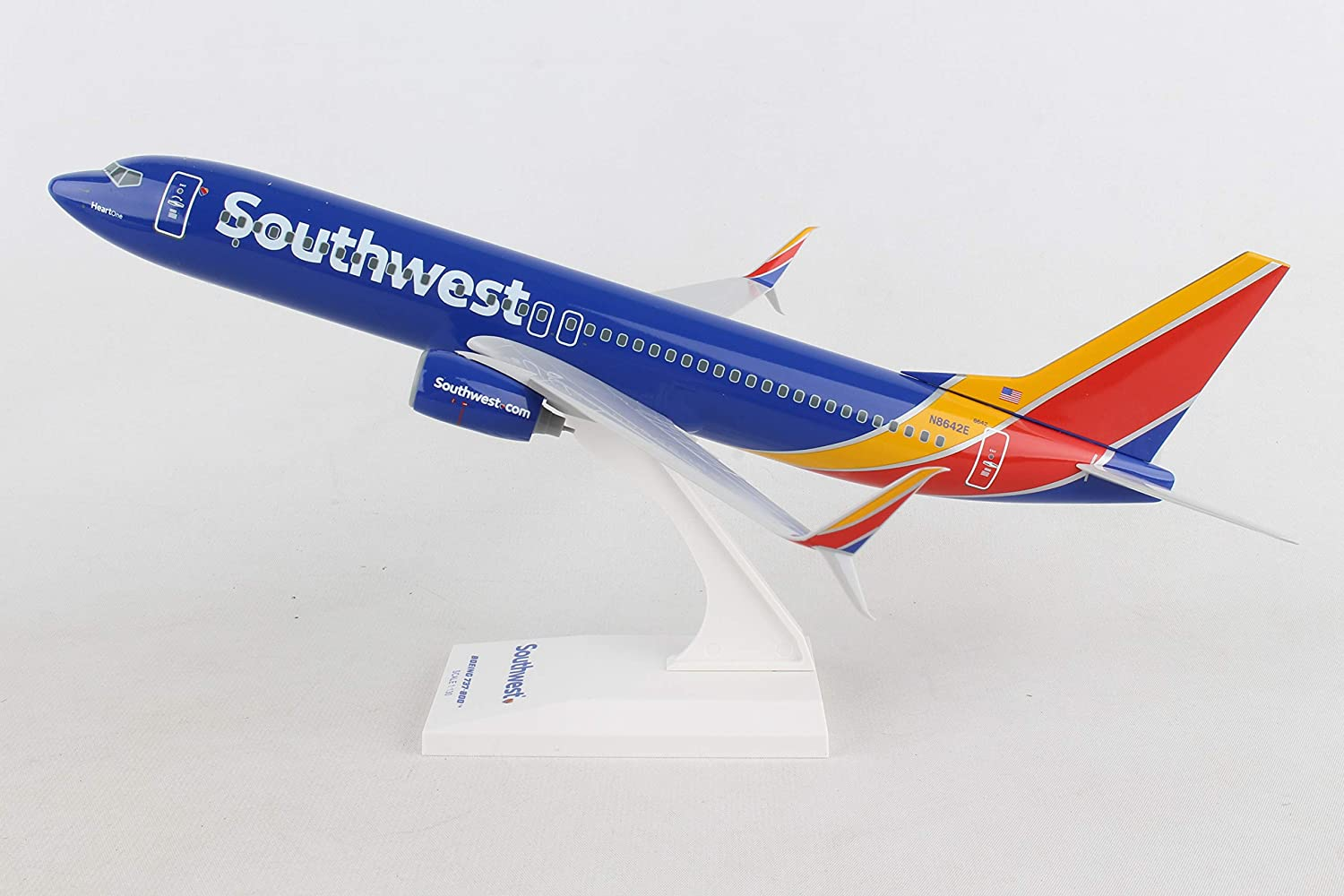 Skymarks SKR813 Southwest Boeing 737-800 Desk Top Display 1//130 Model Airplane