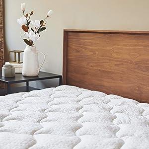 "ViscoSoft Bamboo Mattress Pad King | Extra Plush Pillowtop Mattress Topper | 18"" Deep Pockets"