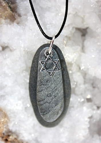 Colgante con el símbolo de la estrella de David y piedras ...