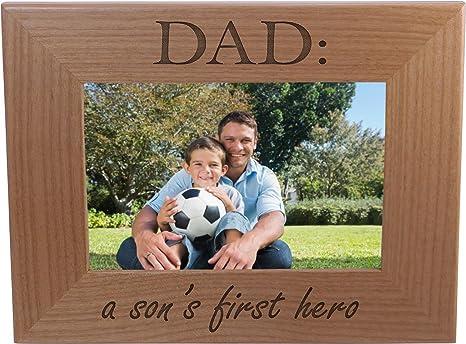 Amazon.com: Dad: Un hijo la Primera Hero – Madera Marco para ...