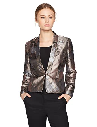 b4463426332 Amazon.com  Kasper Women s Petite Kiss Front Floral Jacket  Clothing