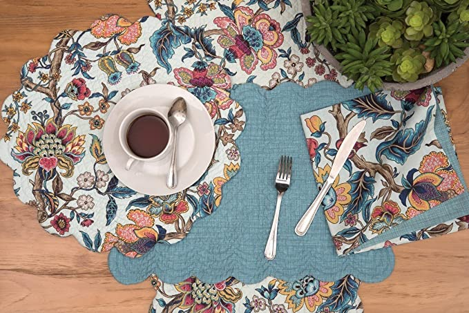 Amazon Com C F Home Tansy 17 X 17 Round Cotton Reversible Machine Washable Placemat Set Of 6 Round Placemat Set Of 6 Blue Home Kitchen
