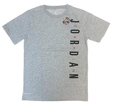 e12e0f484184 Amazon.com  Nike Air Jordan Boy s (8-20) Dry Fit Graphic T‑Shirt ...