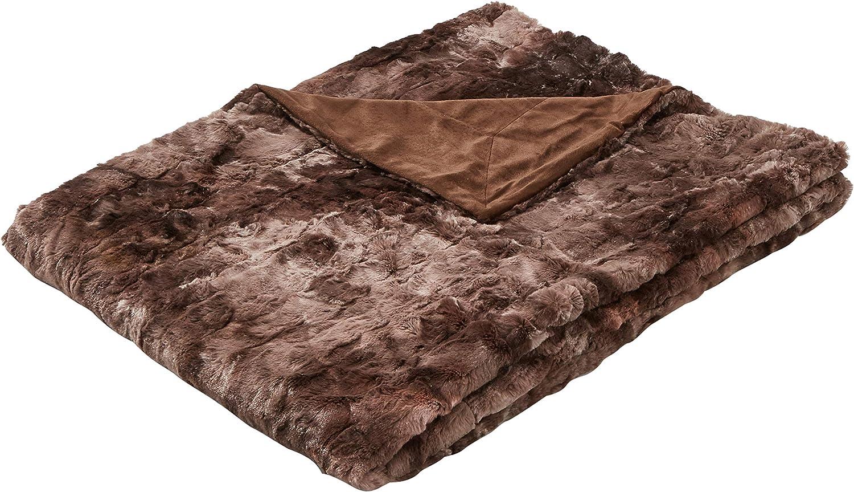 AmazonBasics - Manta de piel sintética, 150 x 200 cm, color marrón