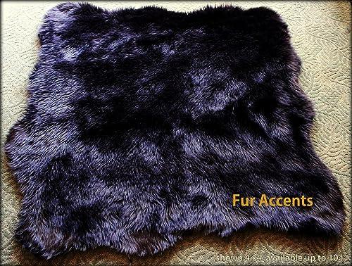 Editors' Choice: Fur Accents Faux Fur Sheepskin Accent Rug/Natural Sheepskin Pelt Shape Black 5'x7'