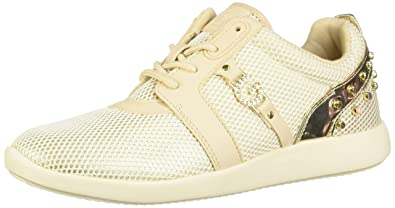 c3b4909bcd611 Amazon.com   G by GUESS Womens Booma   Fashion Sneakers
