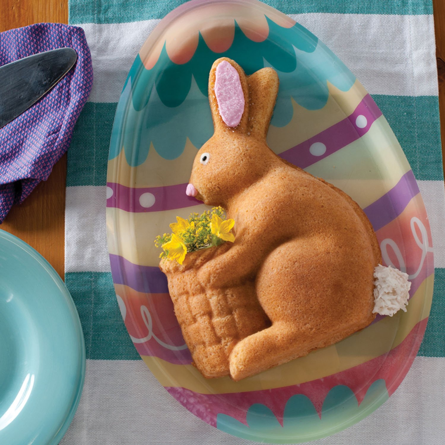 Amazon.com: Nordic Ware Easter Bunny Pan, 5 Cup: Novelty Cake Pans ...