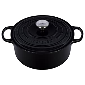 Le Creuset Signature Enameled Cast-Iron 5-1/2-Quart Round French (Dutch) Oven, Black
