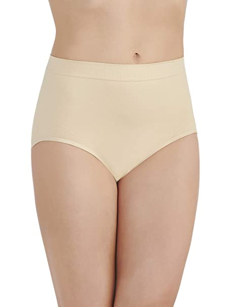 7bdfe96274f8 Vanity Fair Women's Smoothing Comfort Seamless Brief Panty 13264, Damask  Neutral, Medium/6