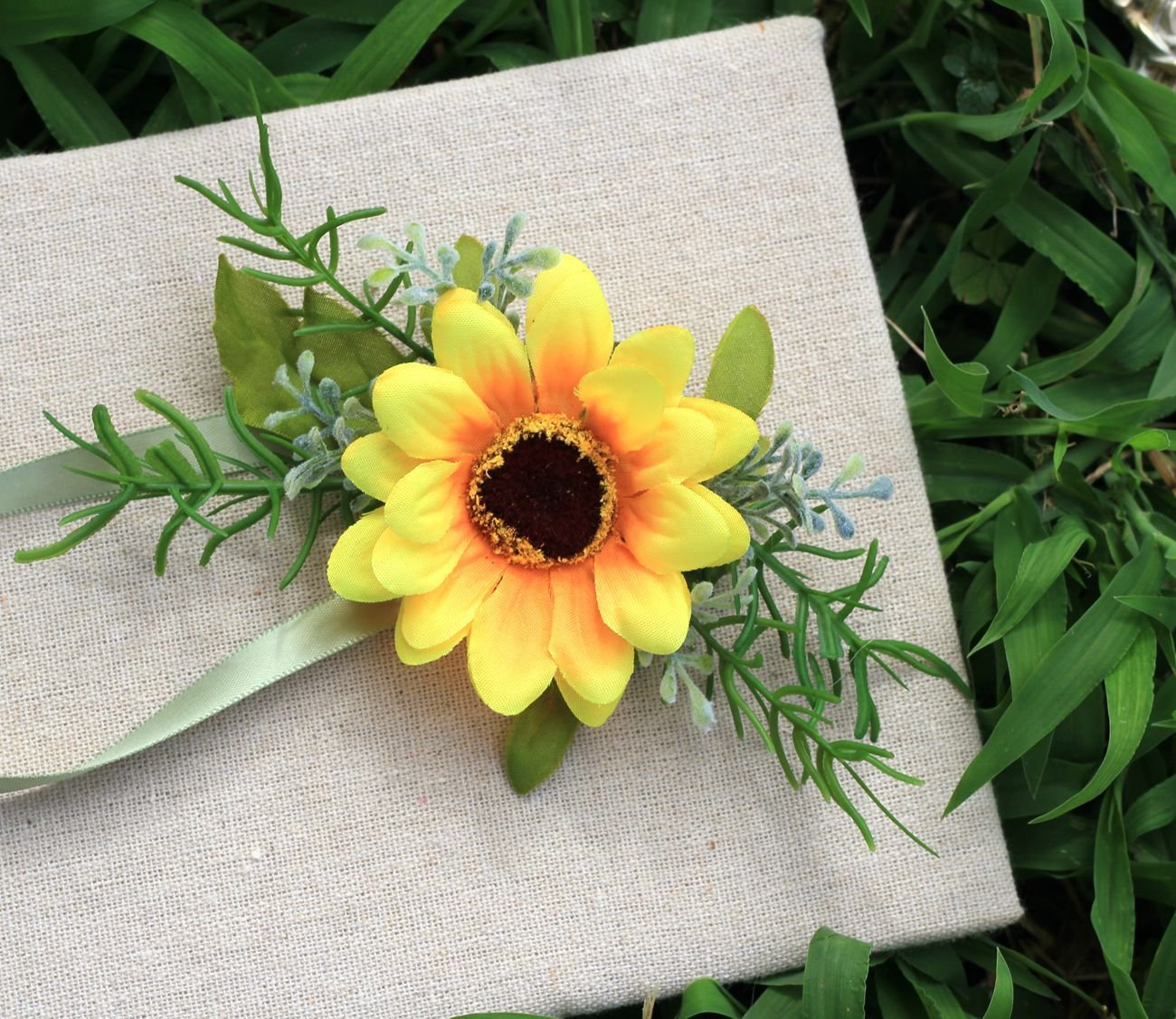 KUPARK 2pcs Artificial Sunflower Wedding Wrist Corsage Wrist Flower for Party Prom Wedding
