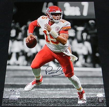 6dcac204b Patrick Mahomes Signed Photograph - 16x20 SPOTLIGHT - JSA Certified -  Autographed NFL Photos