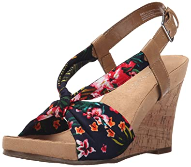 4258ceef3e0e Aerosoles Womens Plush Pillow Wedge Sandal