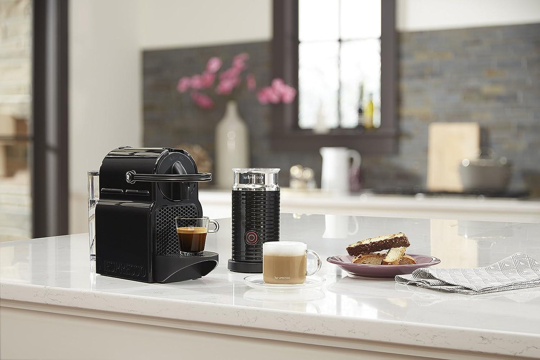Nespresso Inissia - Máquina espresso de DeLonghi con aeroccino Nespresso by DeLonghi negro: Amazon.es: Hogar