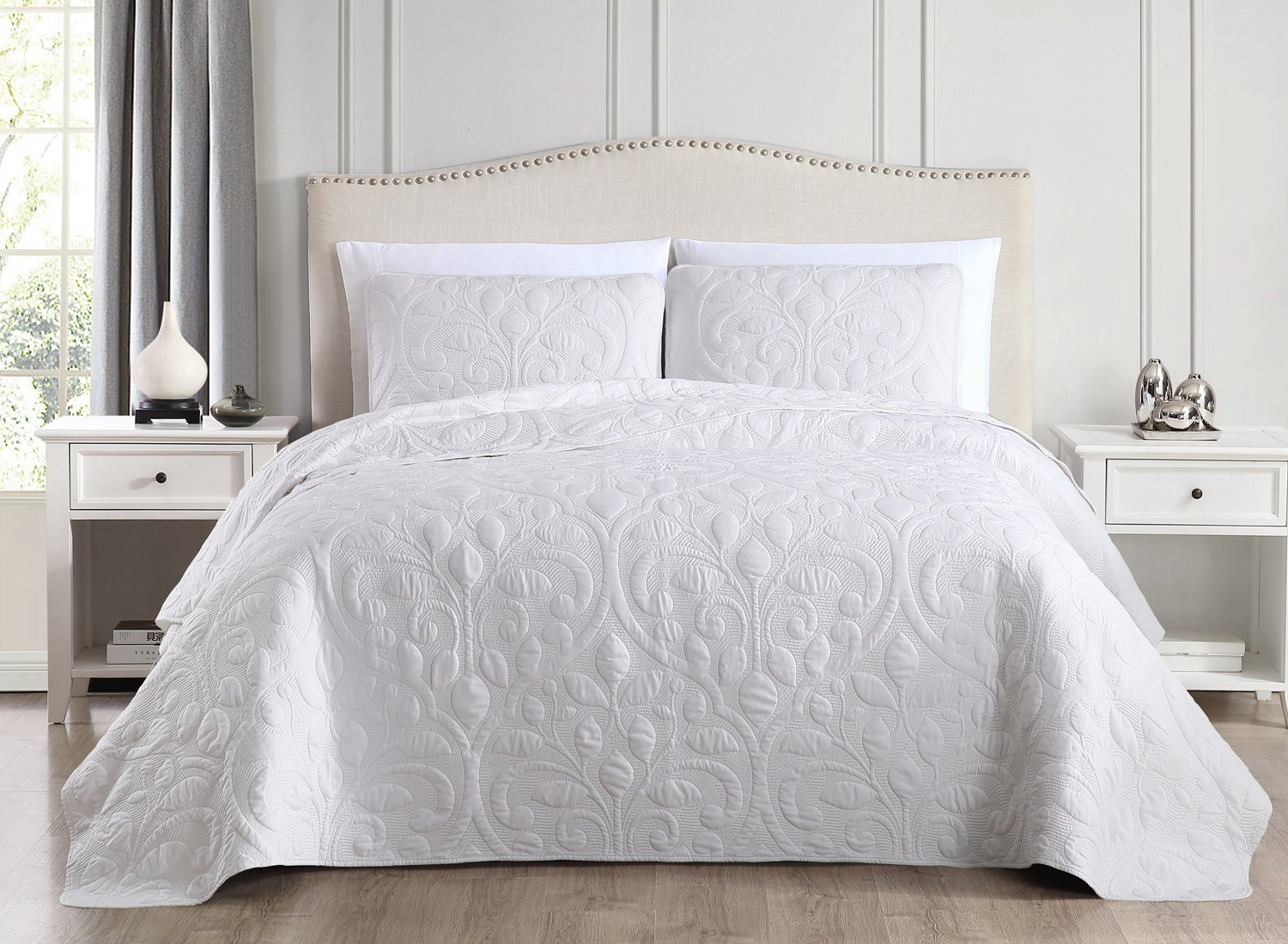SuperBeddings Pre-Washed Embroidered Coverlet Set 65/% Bamboo Rayon 35/% Polyester