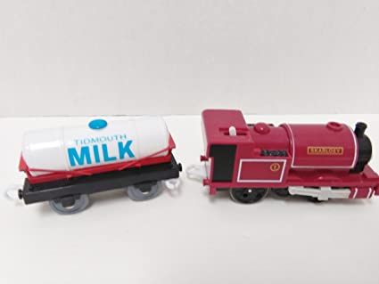Amazon.com: Thomas Skarloey – Locomotora con leche coche ...